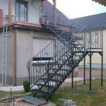 zewnętrzne schody metalowe