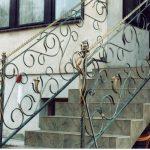 zdobione balustrady schodów