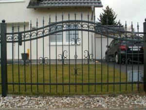 ogrodzenie metalowe podwórka